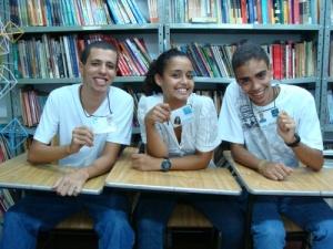 Pedro, Greyce e André - de alunos passaram a voluntários do Invest.